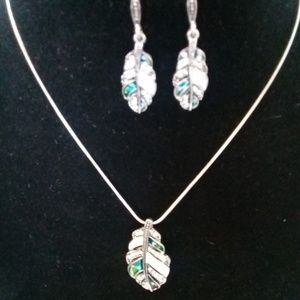 Leaf earrings and necklace